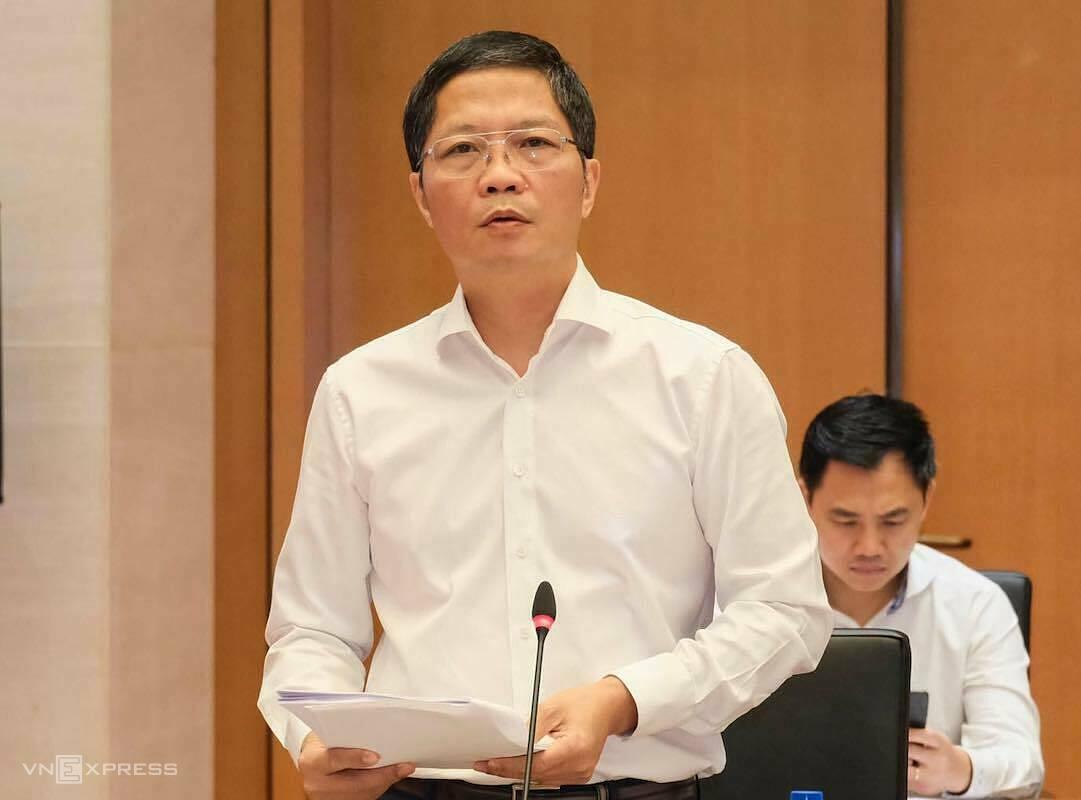 Bộ trưởng Công Thương Trần Tuấn Anh giải trình, trả lời câu hỏi của các đại biểu Quốc hội tại phiên giải trình ngày 7/9 về phát triển điện lực đến 2030. Ảnh: Hoàng Giang