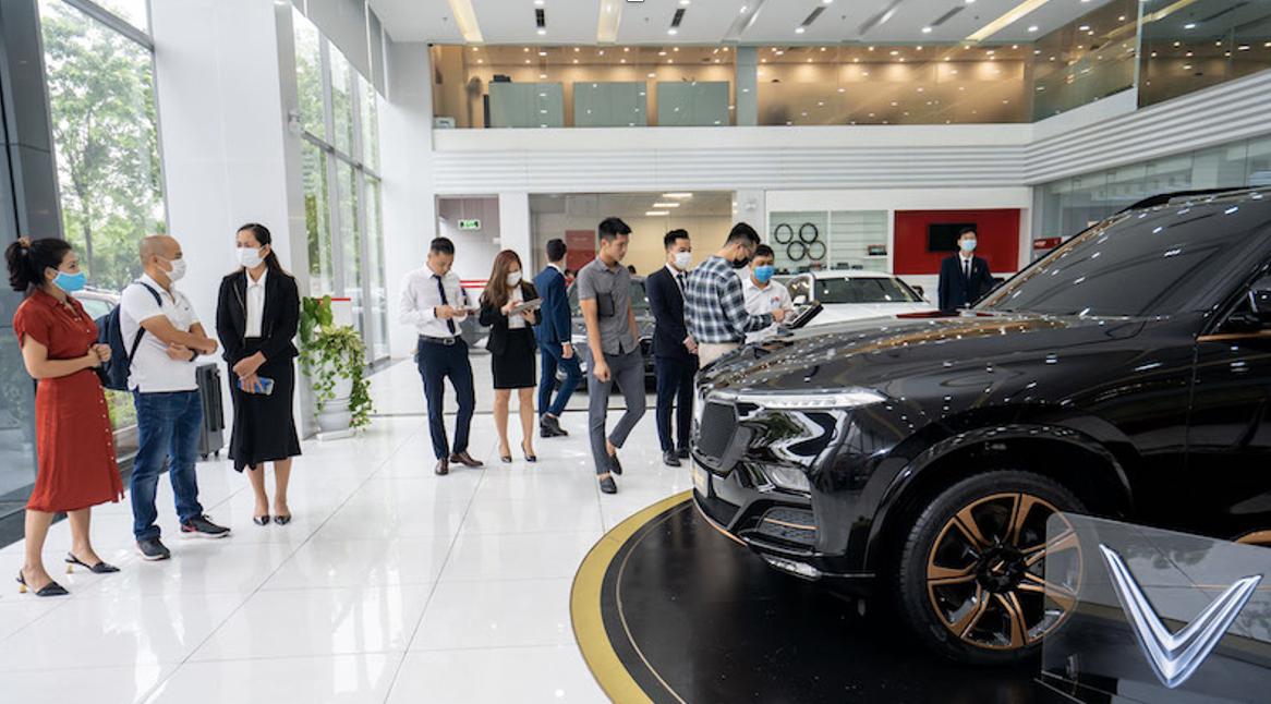 Mẫu xe VinFast President được trưng bày tại hệ thống showroom và đại lý chính thức tại 3 miền Bắc, Trung, Nam.