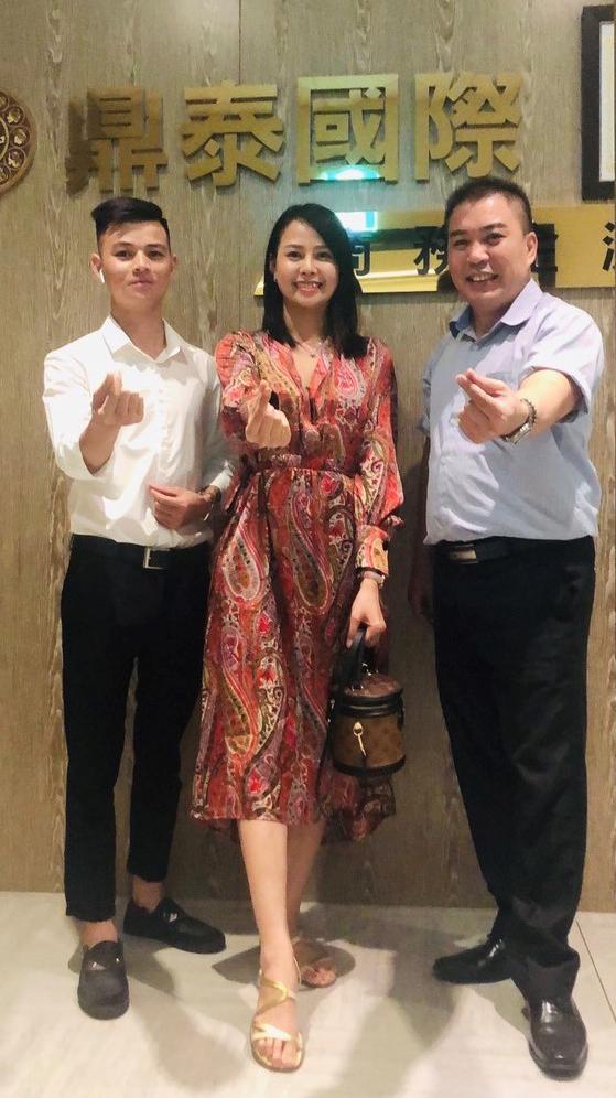 Bà Hoàng Thảo - CEO Công ty TNHH Thương mại Quốc tế Bảo Thịnh gặp gỡ đối tác tại Đài Loan.