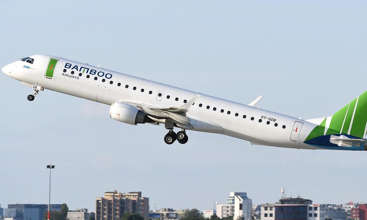 Máy bay Embraer E195 của Bamboo Airways. Ảnh: Wojtek Raczynski,