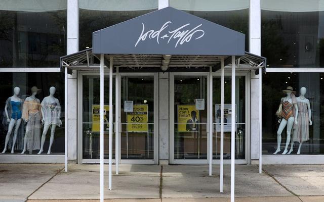 Một cửa hàng của Lord & Taylor tại Wisconsin Place. Ảnh: Reuters