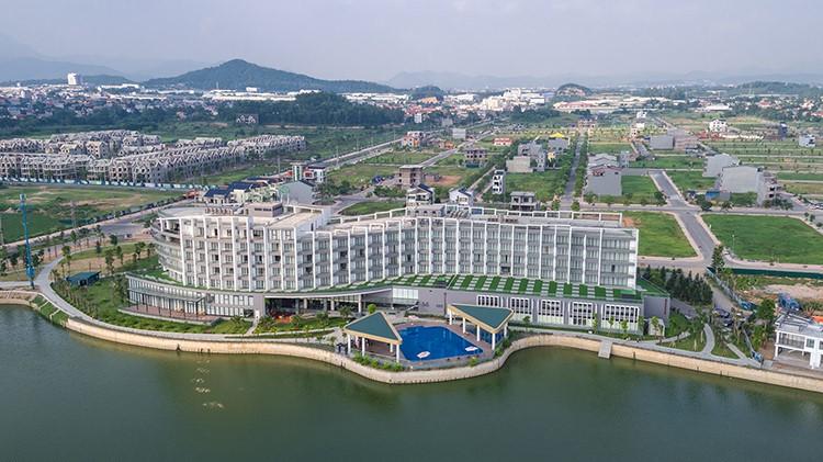 Khách sạn DIC Star Vĩnh Phúc nhìn từ trên cao.