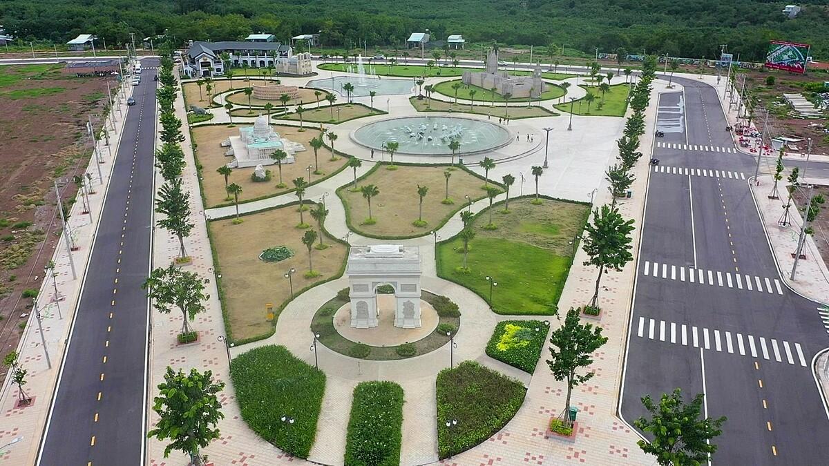 Công viên Thế giới Di sản Kiến trúc The Destina vừa hoàn thành. Ảnh: Cát Tường Group.