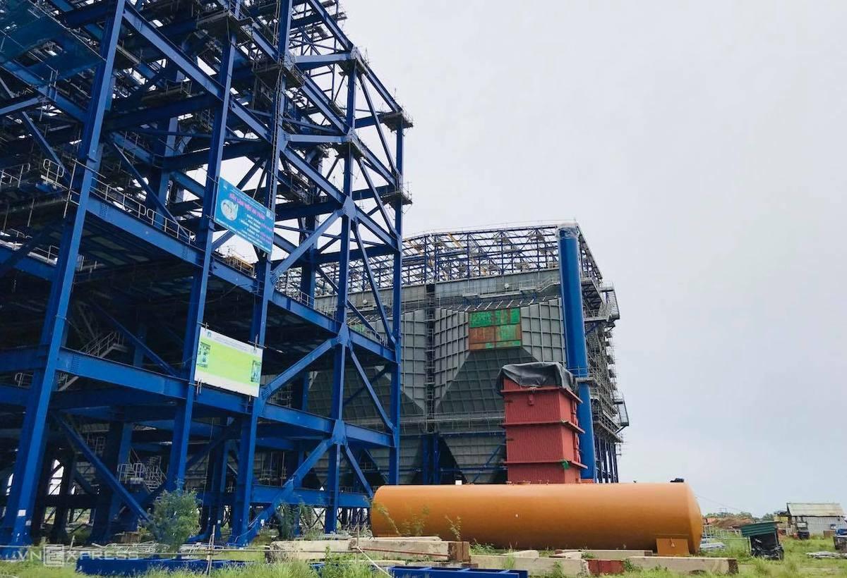 Dự án nhà máy nhiệt điện Long Phú 1 do PVN làm chủ đầu tư bị chậm tiến độ, chưa thể vận hành theo kế hoạch. Ảnh: Hoài Thu.