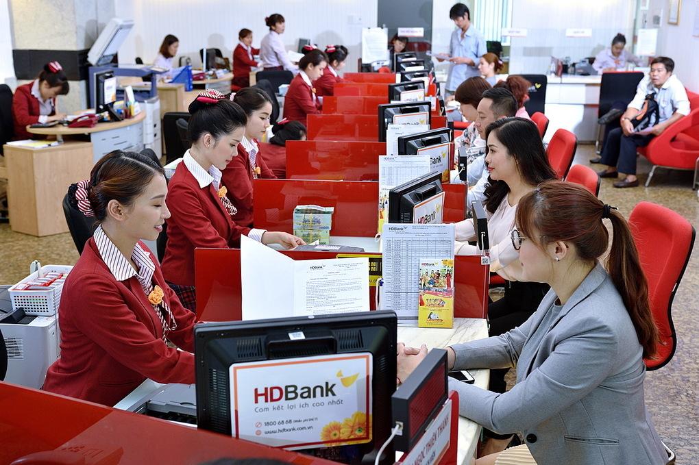 HDBank là một trong những ngân hàng mạnh tay ưu đãi người gửi tiết kiệm nhất hiện nay trong bối cảnh mặt bằng lãi suất tại các ngân hàng đều giảm. Ảnh: HDBank.