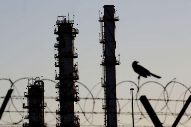 Nhà máy lọc dầu của hãng dầu Pemex (Mexico) tại Cadereyta. Ảnh: Reuters