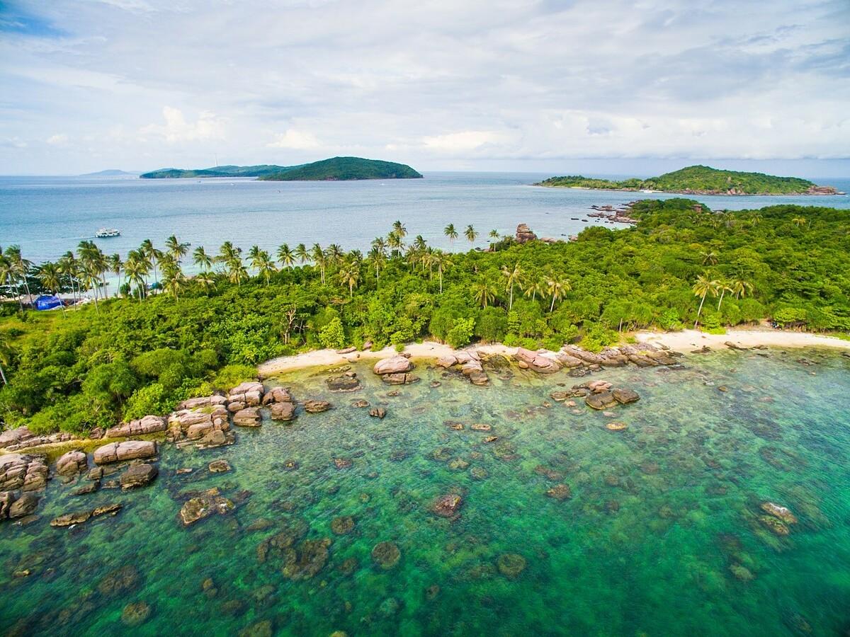 Vẻ đẹp Hòn Gầm Ghì hay còn gọi là Hòn Dăm Ngang, Phú Quốc: Ảnh: Shutterstock/Jimmy Tran.