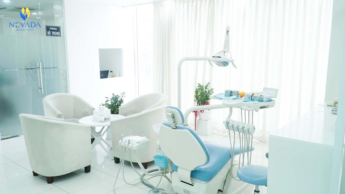 Trang thiết bị nha khoa hiện đại, đạt tiêu chuẩn quốc tế.