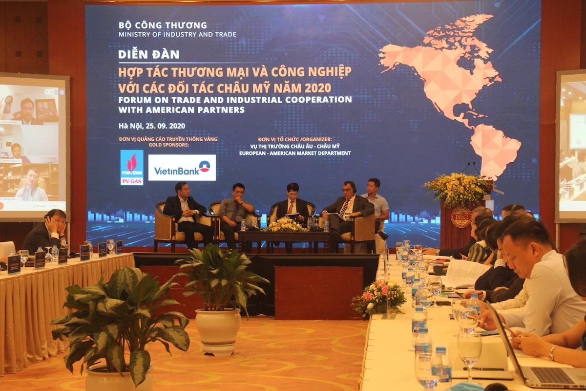 Các diễn giả thảo luận tại diễn đàn Hợp tác thương mại - công nghiệp với đối tác châu Mỹ năm 2020, ngày 25/9. Ảnh: Anh Minh.