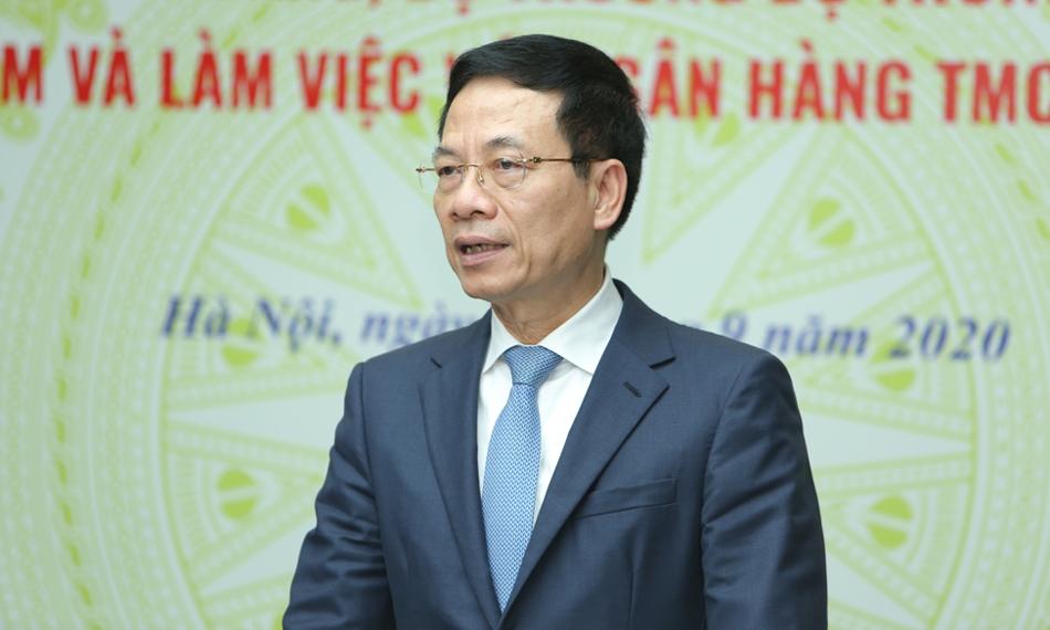 Bộ trưởng Thông tin và Truyền thông Nguyễn Mạnh Hùng chia sẻ tại buổi làm việc sáng nay. Ảnh: MB.
