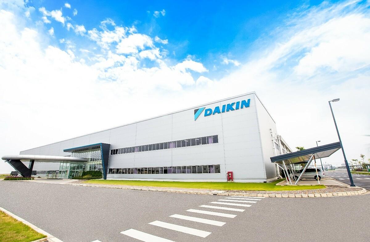 Nhà máy Daikin Việt Nam đạt chứng nhận ISO 14001:2015 cho những nỗ lực nâng cao chất lượng quản lý và các tiêu chuẩn về môi trường theo chuẩn quốc tế. Ảnh: Daikin Việt Nam.
