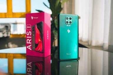 Vsmart Aris Pro - mẫu điện thoại hội tụ nhiều công nghệ hiện đại do Vingroup nghiên cứu và phát triển.