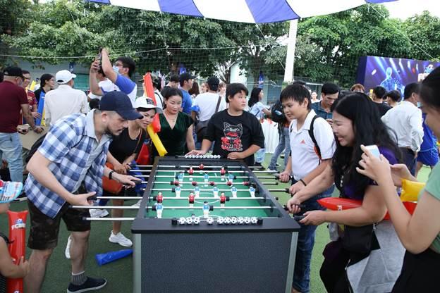Sự kiện bắt đầu từ 15 giờ ngày 26/9 với chuỗi các hoạt động check in, trò chơi cùng các phần thưởng giá trị khiến không khí trở nên sôi động.
