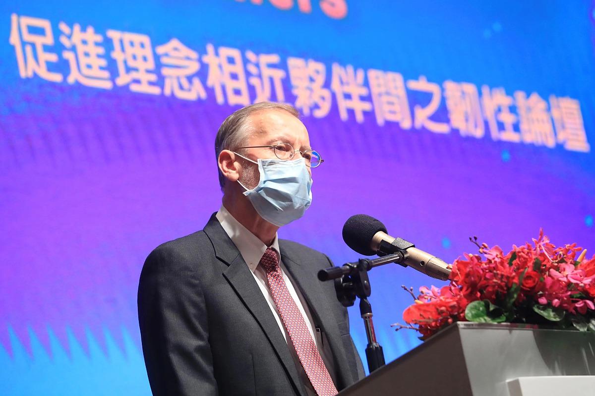 Ông Brent Christensen tại diễn đàn do AIT tổ chức ngày 4/9 tại Đài Loan. Ảnh: Reuters.