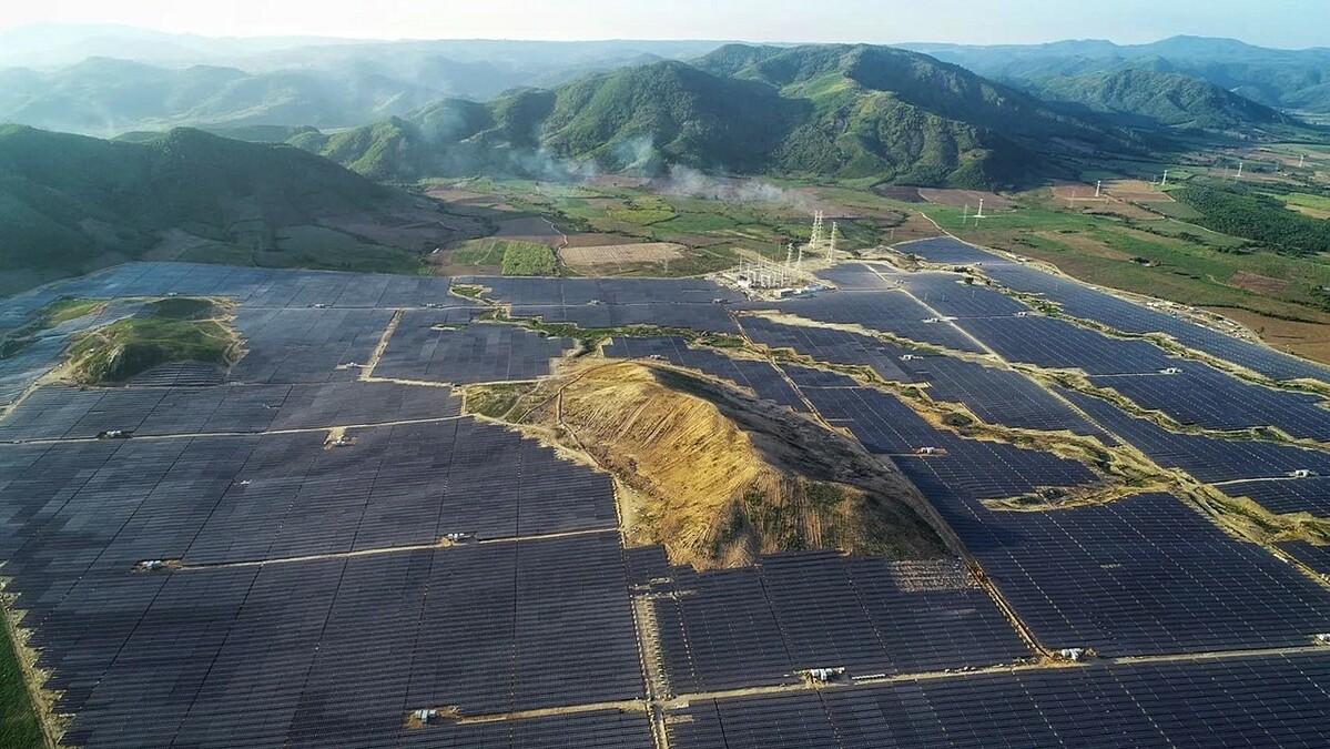 Nhà máy điện mặt trời Phú Yên. Ảnh: JICA