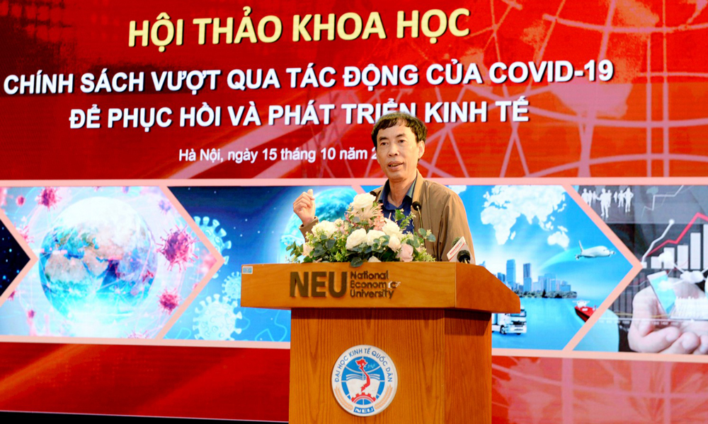 Ông Võ Trí Thành chia sẻ tại hội thảo. Ảnh: Phương Linh.