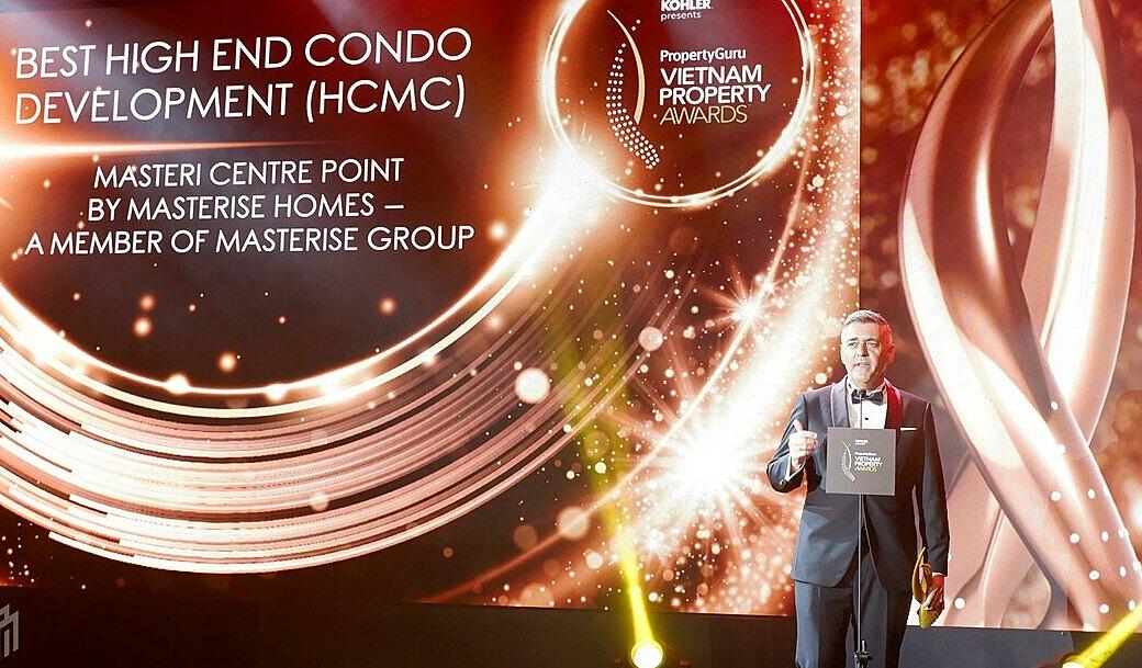 Masteri Centre Point vượt qua quy trình đánh giá nghiêm ngặt, để nhận được giải thưởng Dự án Cao cấp Xuất sắc nhất tại tp.Hồ Chí Minh (Best High End Condo Development (HCMC)