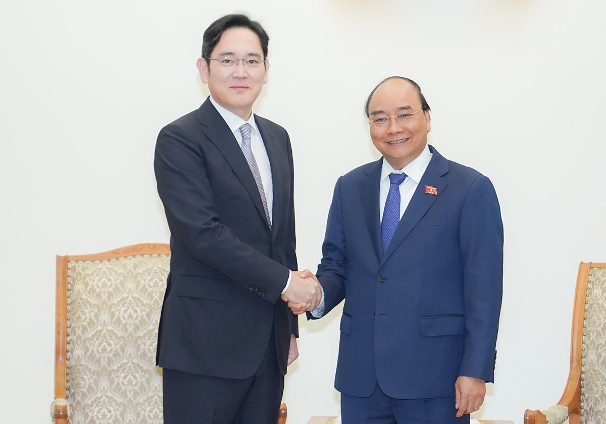Phó chủ tịch Samsung Lee Jae-yong gặp Thủ tướng chiều 20/10. Ảnh: VGP/Quang Hiếu.