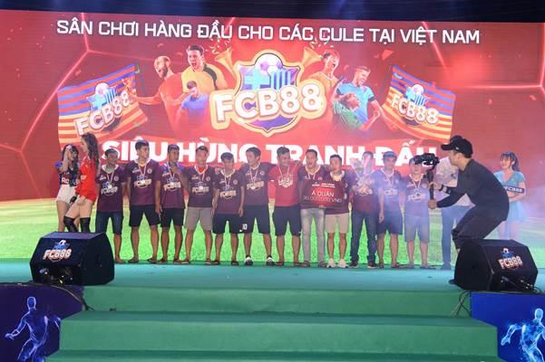 FCB88 vô địch giải Siêu hùng tranh đấu  - 1