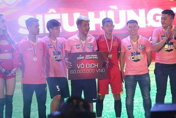 FCB88 vô địch giải Siêu hùng tranh đấu  - 2