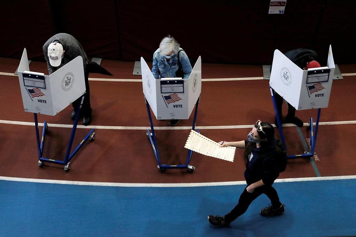 Người Mỹ đi bầu cử tổng thống. Ảnh: Reuters.