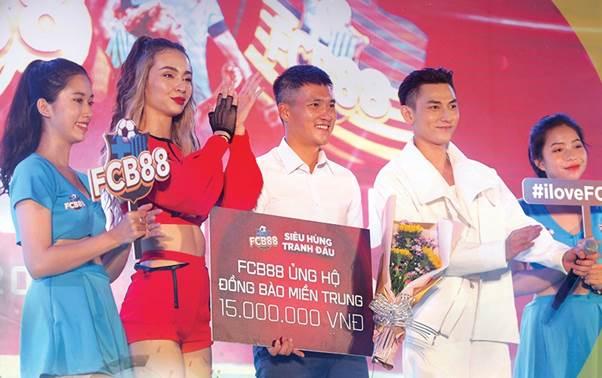 FCB88 ủng hộ đồng bào miền Trung 15 triệu đồng.