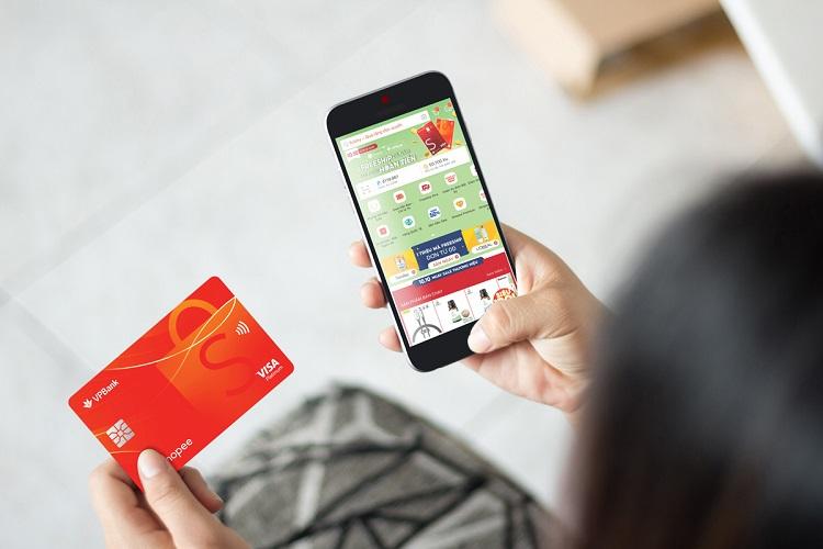 Thẻ VPBank-Shopee thiết kế riêng cho các tín đồ mua sắm.