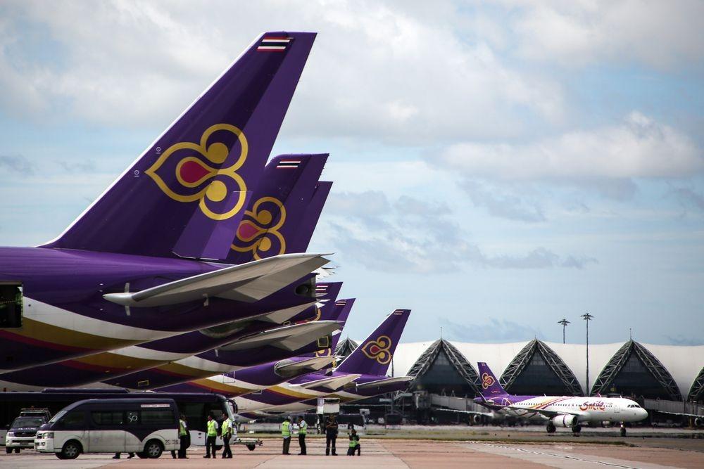 Máy bay Thai Airways đỗ tại Sân bay quốc tế Suvarnabhumi, Bangkok, Thái Lan. Ảnh: Bloomberg.