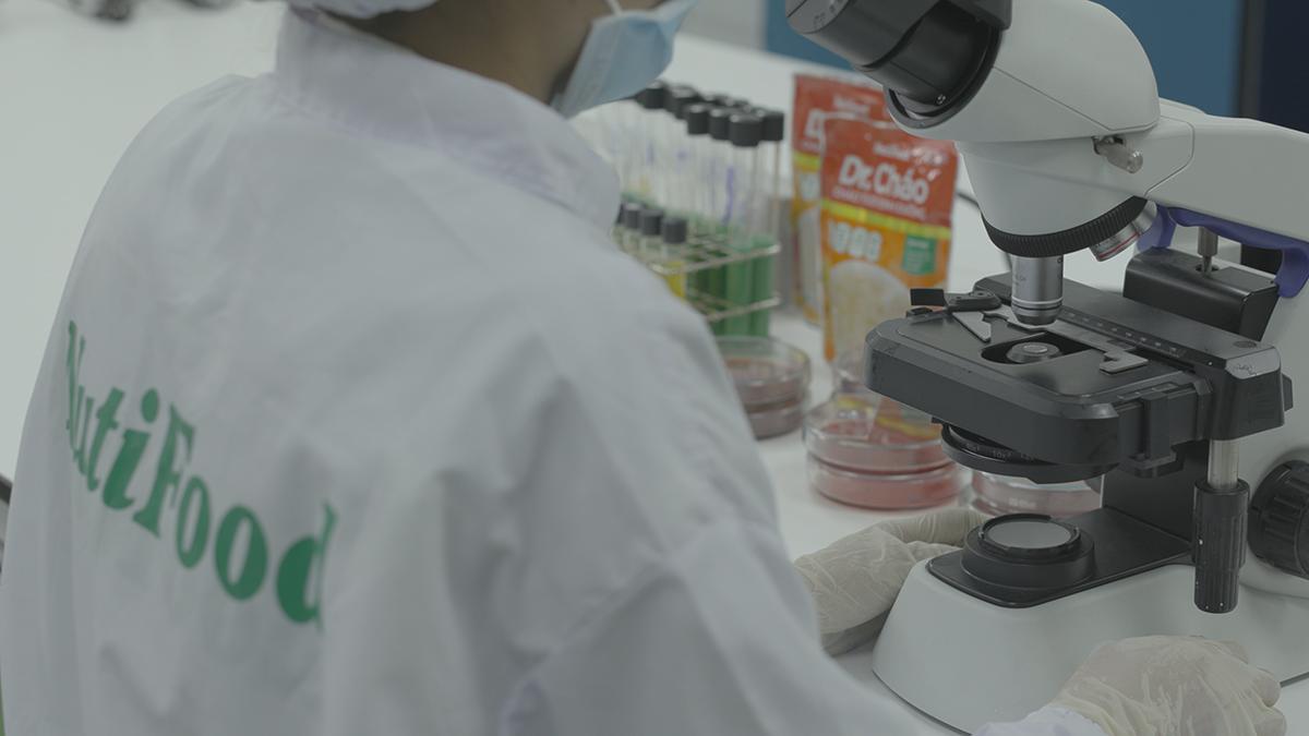 Thành phần của Dr. Cháo được các chuyên gia dinh dưỡng tại Viện nghiên cứu của NutiFood nghiên cứu kỹ. Ảnh: Dr. Cháo
