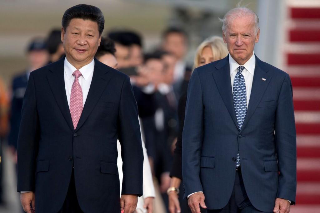 Chủ tịch Trung Quốc Tập Cận Bình và ông Joe Biden khi là Phó thủ tướng Mỹ năm 2015. Ảnh: AP