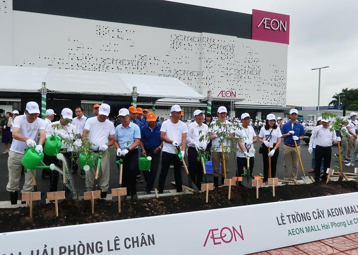 Hơn 1.000 cây xanh đã được trồng trong Ngày hội trồng cây Cánh rừng quê hương AEON diễn ra đầu tháng 10 vừa qua. Ảnh: AEON Việt Nam.