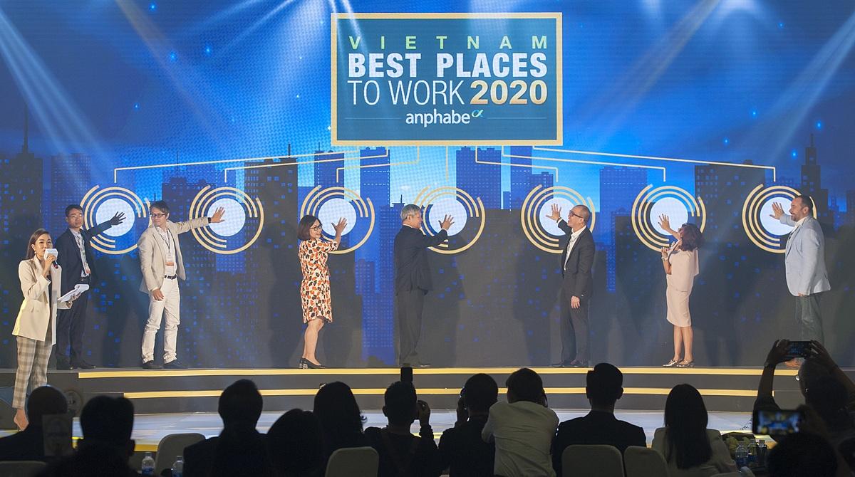 Unilever Việt Nam cùng các đối tác chiến lược thực hiện nghi thức Khởi động khảo sát Nơi làm việc tốt nhất Việt Nam 2020. Ảnh: Unilever Việt Nam.