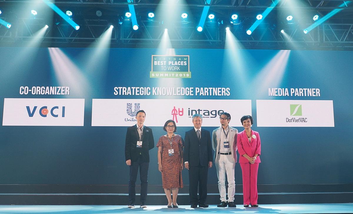 Unilever Việt Nam đồng hành cùng Anphabe trong các hoạt động mang lại giá trị thiết thực cho cộng đồng nhân sự. Ảnh: Unilever Việt Nam.