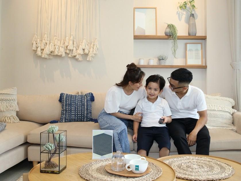 Kiện tướng dancesport Khánh Thi cùng ông xã Phan Hiển cho biết rất ấn tượng với nhà phố có không gian sống như biệt thự tại Aqua City. Ảnh: Novaland.