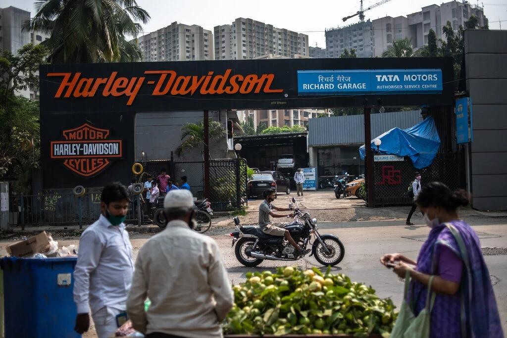 Một đại lý của Harley-Davidson tại Mumbai. Ảnh: NYT.
