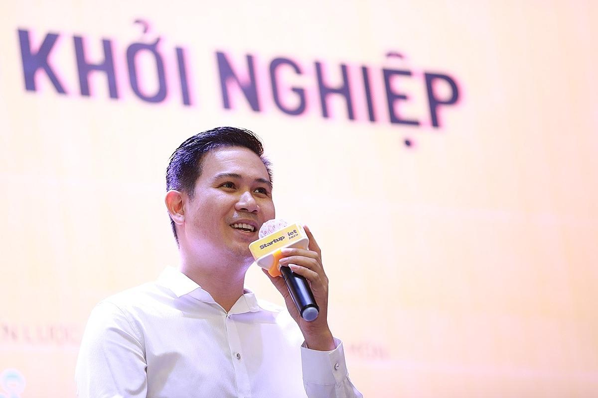 Nếu làm thuê trước để tích lũy kinh nghiệm, có thể tôi có không lỗ đến ngàn tỷ đồng, Phạm Văn Tam – Chủ tịch Tập đoàn đầu tư Winsan nói. Ảnh: Hữu Khoa.