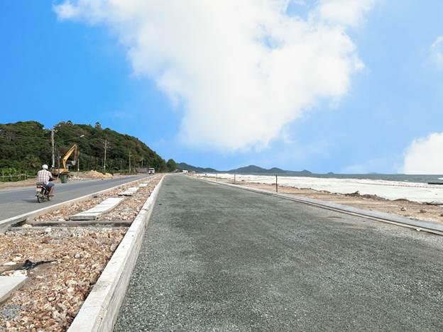 Nâng cấp Quốc lộ 80 và bơm cát trắng đoạn Bãi Bàng, Hà Tiên. Xin nguồn ảnh