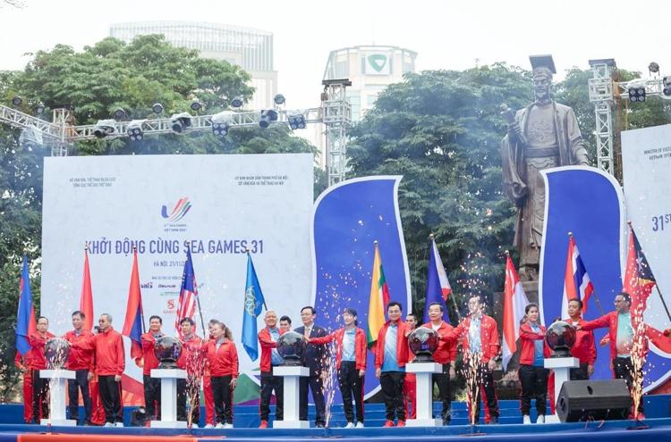 Lễ khởi động cùng Sea Games 31 khai mạc tại Hà Nội. Ảnh: Donexpro.