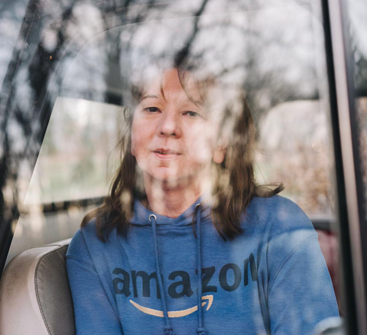 Deborah Liljegren đã làm việc cho Amazon được 7 tháng. Ảnh: WSJ.