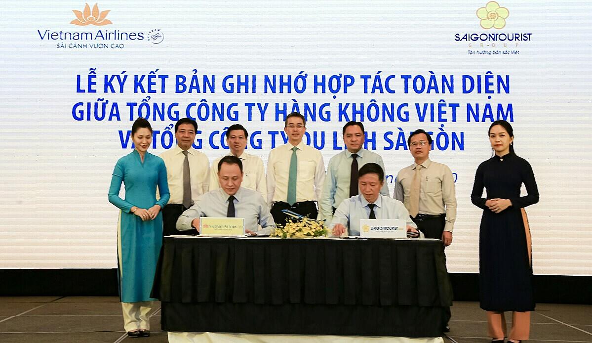 Đại diện Saigontourist Group và