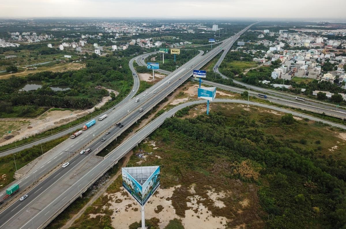 Cao tốc TP HCM - Long Thành - Dầu Giây đoạn qua TP HCM tháng 12/2019. Ảnh: Như Quỳnh.