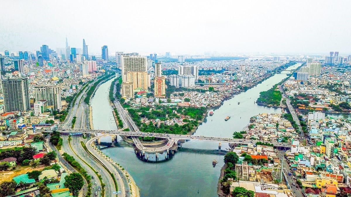 Khu Tây với hạ tầng ngày càng phát triển tạo đà bứt phá cho bất động sản. Ảnh: Nhật Minh.