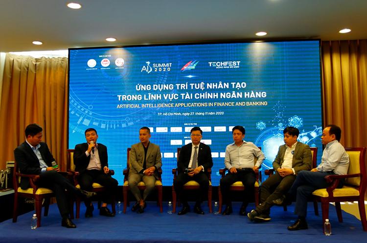 Các diễn giả tại tọa đàm ứng dụng AI trong lĩnh vực ngân hàng trong khuôn khổ sự kiện AI4VN. Ảnh: FPT.