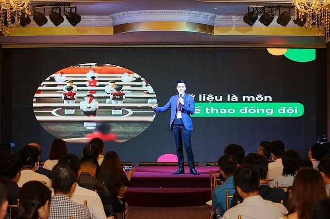 Đại diện Gojek tại hội thảo chuyên sâu Big Data - Từ dữ liệu đến doanh thu diễn ra hôm 25/11. Ảnh: Startup Việt 2020.