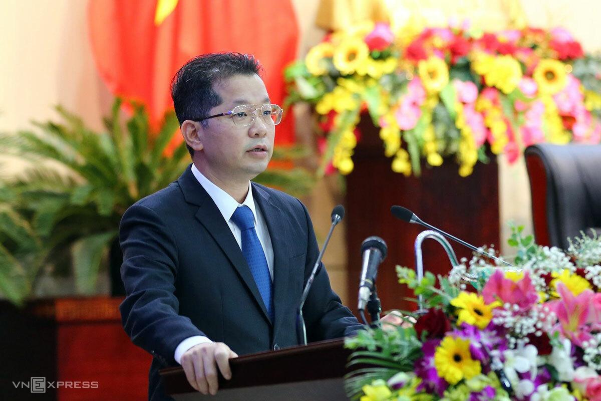 Ông Nguyễn Văn Quảng phát biểu tại kỳ họp. Ảnh: Nguyễn Đông.