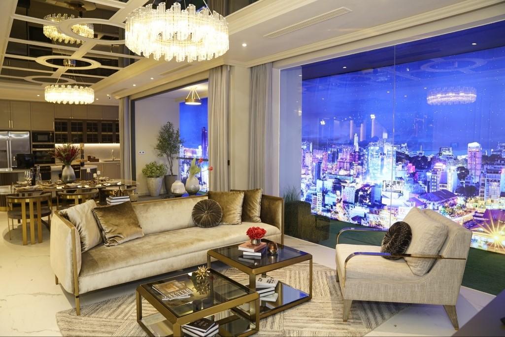 Không gian sang trọng của biệt thự mẫu Sky Villa phiên bản giới hạn tại Novaland Gallery ghi điểm với nhiều khách hàng tham quan.