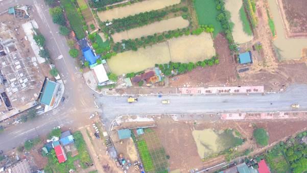 Tuyến đường 700m từ cuối phố Thành Trung thời điểm giữa tháng 11 khi đang gấp rút hoàn thiện thi công. Nguồn ảnh.