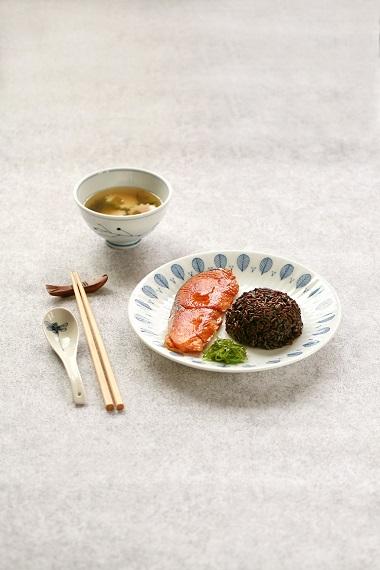 Ăn cơm gạo tím msSlim với các loại cá rất tốt để giúp giảm cân.