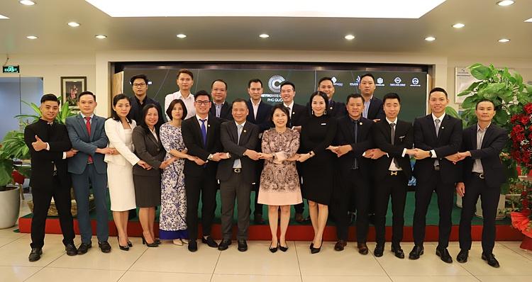 Tập đoàn Tân Á Đại Thành ký hợp tác phân phối độc quyền phân khu Apricot và Aqua.