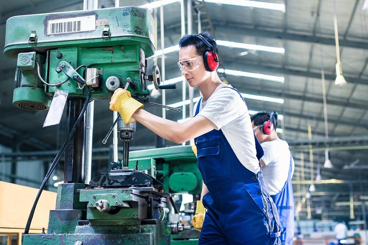 Nguồn lao động dồi dào, chi phí cạnh tranh là lợi thế của tỉnh Bình Phước. Ảnh: Minh Hưng Sikico.